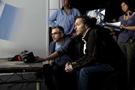 """Fig. 6: Faktisk var det planen, at første indstiling skulle have været cirka 17 minutter, men Lubezki overbeviste Cuarón om, at det var et rigtigt moment at klippe, da Stone svævede ud mod rummets intethed, da det føltes som et overstået """"kapitel"""" (se Bergery 2013, s. 41). Lubezki (th), Cuaron (tv)."""
