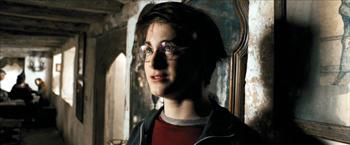 Fig. 10: Kameraet bevæger sig tættere på Harry.