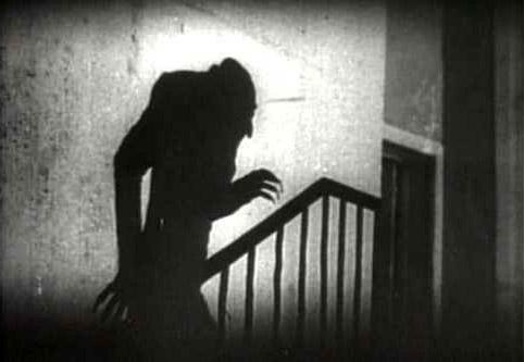 Fig. 4 Vores forestillingsevne er årsag til megen frygt. Måske er fantasien en større trussel end som så, når den giver os mareridt, fordomme og fobier? I det ikoniske billede fra Nosferatu er vampyren selve mørket – vi ser ham kun som sin skygge.