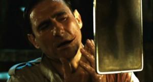 Fig. 5-6: Bemærk ligheden imellem Jokerens skræmmende ansigt i The Dark Knight (2008) og Vidals modbydelige ditto i El laberinto del fauno (2006).