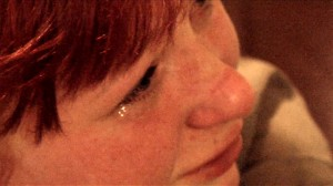 Fig. 13: I Blodets Bånds særdeles følelsesladede anslag konfronterer Christina sin far i forhold til den kollektive fortrængning om årsagerne til tvangsfjernelsen. Efterfølgende i filmen er det dog primært Svend, der er aktivt handlende.