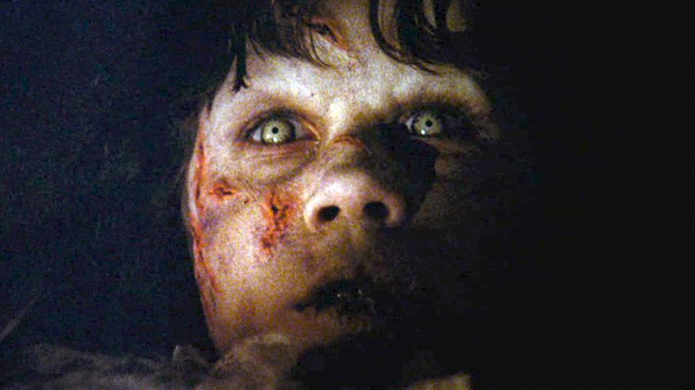 Fig. 17: Dæmonen får en forudanelse om, at Merrin er på vej.