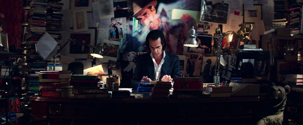 Fig. 6. Nick Cave arbejder ustandseligt i sit iscenesatte kontor, som bidrager betragteligt som inspiration.