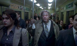 Fig.1: Östlunds film peger ofte i retning af landsmanden Roy Andersson, her Sange fra anden sal der også rummer en berømt transportscene.