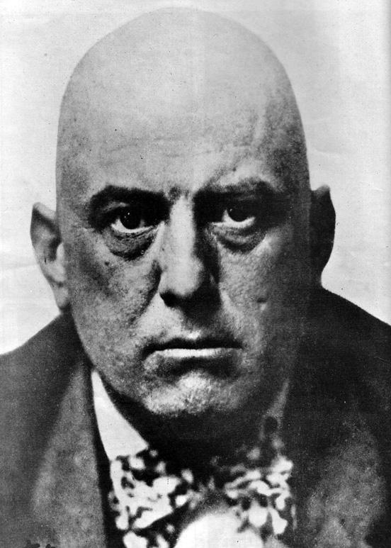 """Fig. 2. Aleister Crowley kaldte sig selv """"the Great Beast 666"""", men blev fordømt som """"the wickedest man in the world"""" af den engelske presse. Angers film foregreb Crowleys genfødsel som et kulturelt ikon i 1960'erne."""