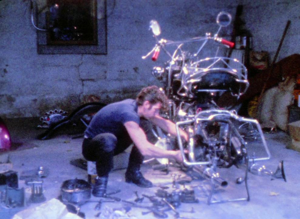 Fig. 7. Angers brug af popmusik seksualiserer bikerens motorcykelfascination.