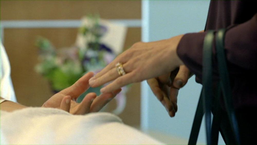 Fig. 12: Dialogen i scenen anviser ikke om dette close up skal tolkes som et udtryk for at Martin genforenes med Maggie.