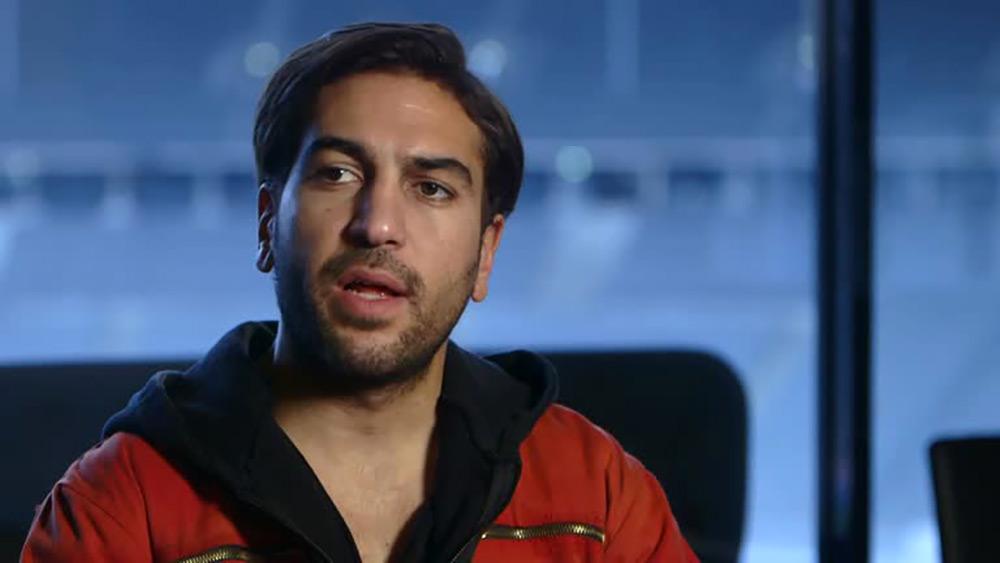 Fig. 3: Den karismatiske Max, leder af hackerkollektivet CLAY. Elyas M'Barek (f. 1982), kendt som en utilpasset teenager af tyrkisk oprindelse i Die Welle (2008), er blevet voksen.