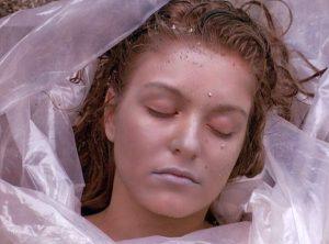 Fig. 3-4: Billedpar fra Twin Peaks (ABC, 1990-1991) og Twin Peaks: Fire Walk with Me (1992).