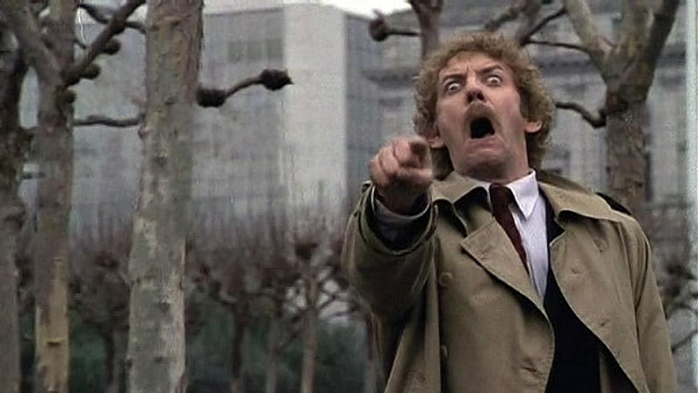 Fig. 5: En ikonisk indstilling fra afslutningen af Philip Kaufmans Invasion of the Body Snatchers (1978). Den ikoniske afslutningsscene i Kaufmans remake er forskellig fra afslutningen i Don Siegels oprindelige film fra 1956.