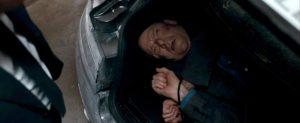 Fig. 2: Den sårede Mr. White i begyndelsen af Quantum of Solace.