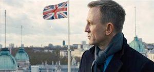 Fig. 9: Bond som beskytteren af det britiske rige.