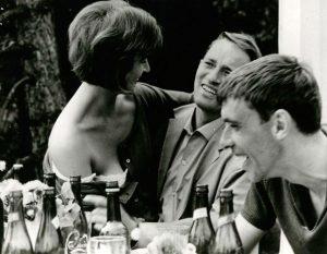 Fig. 7: Filmen Weekend (1962) og dens realismestatus er blevet opfattet forskellige i dens sam- og eftertid.