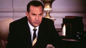 Figur 4: Det stærke bånd, Stanislav føler, der er mellem ham og Kevin Costner, skyldes filmen 13 Days om Cubakrisen, hvor Costner i rollen som en af Kennedys rådgivere står i en situation der kan sammenlignes med den, han selv stod i den nat i 1983.