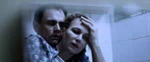 Figur 9: Efter at have reddet jorden er Stanislav i Shnyryovs skikkelse magtesløs over for den cancer, der har ramt hans kone.