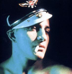 Fig. 7: Fremstillingen af homoseksualitet i Cruising giver associationer til Kenneth Angers fetichistiske Scorpio Rising.
