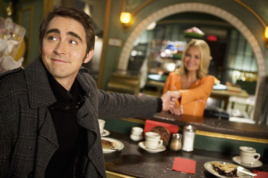 Fig. 9: But iZombie also owes a lot to Pushing Daisies (ABC 2007-2009).