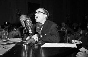 Fig. 3: Dalton Trumbo vidner for HUAC.