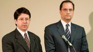 Fig. 8: Forsvarsadvokaterne Dean Strang og Jerome Buting fremstår intelligente, velovervejede og ikke mindst ukueligt indignerede over de, ifølge dem, tynde anklager mod Steven Avery og Brendan Dassey.