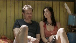 Fig. 5: Adam udvikler hurtigt følelser for den langt yngre Patricia.