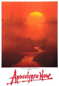 Fig. 1: På plakaten understreges floden som filmens (blod)røde tråd – floden, den snoede slange, fører ind i et tåget, ukendt landskab, mens solen i baggrunden synker, og dagen går modnat, lyset mod mørke.