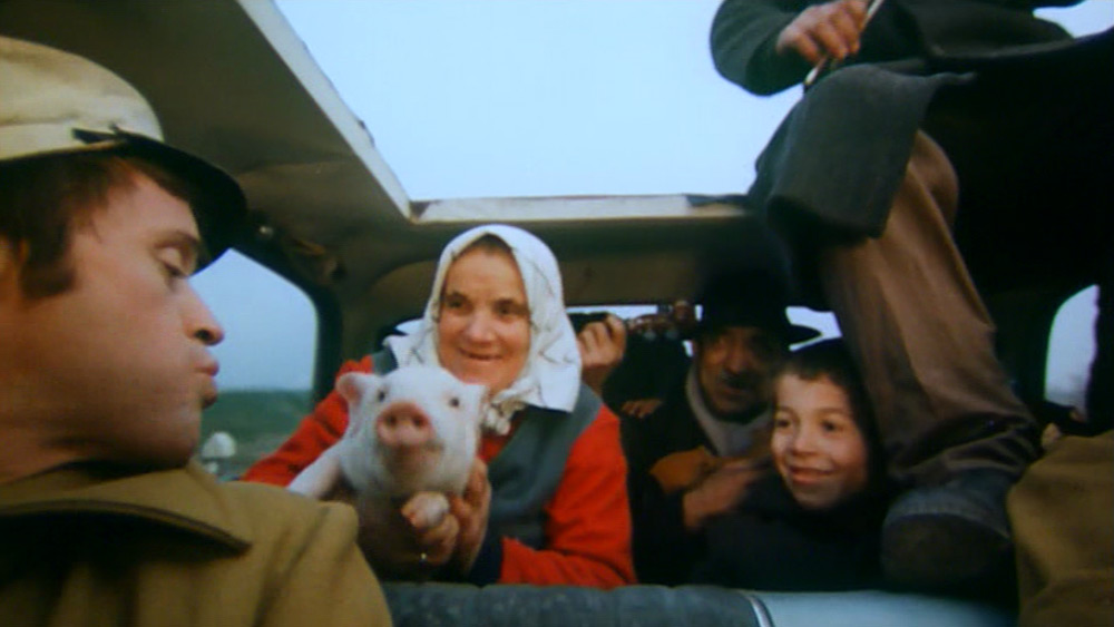 Fig. 17: Birds, Orphans, and Fools (Juraj Jakubisko, 1969). The climax of Birds, Orphans, and Fools takes place during a road trip to the Slovak countryside, where Jakubisko mocks the traditional images of Slovak identity.