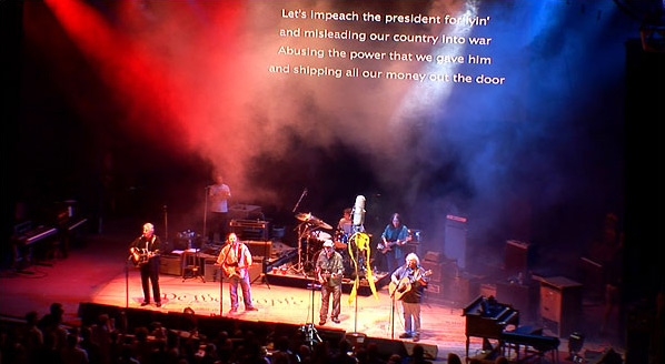 Fig. 16: Let's impeach the president for lyin' synger bandet. Der bliver ikke lagt fingre imellem, hvad angår de politiske budskaber i CSNY – Déjà Vu.